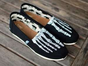 Skelett Kostüm selber machen - Schuhe