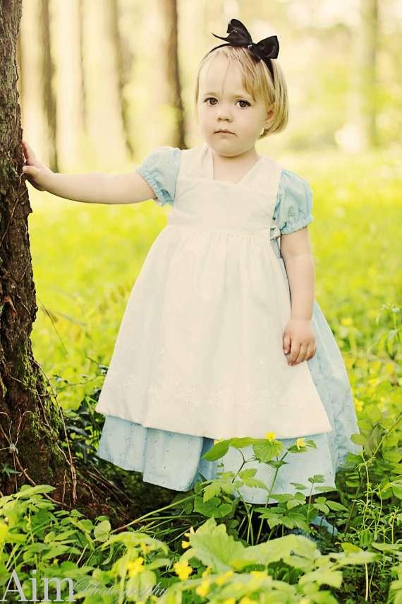 Etsy - Alice im Wunderland Kostüm selber machen