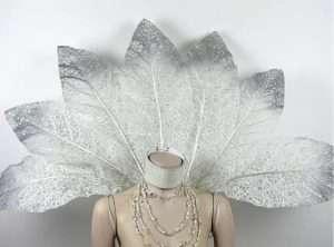 Eiskönigin Kostüm selber machen - Schulterschmuck
