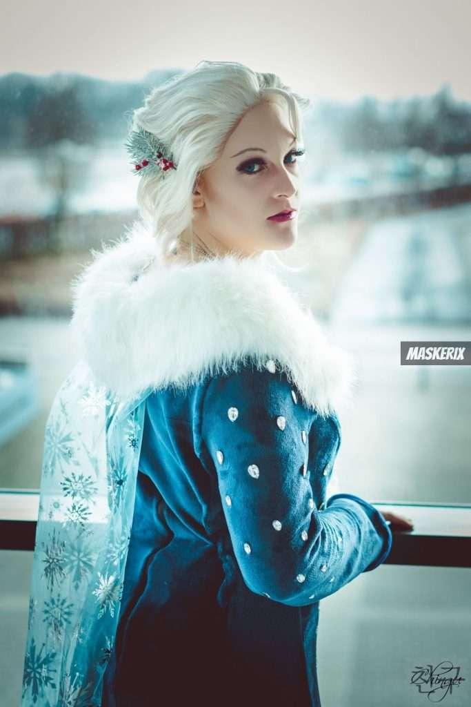 maskerix - Elsa Halloween Kostüm selber machen