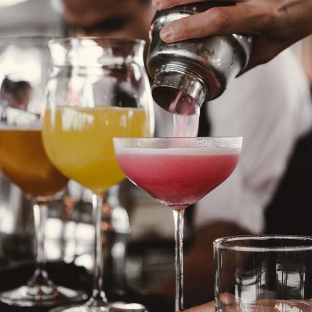 maskerix - Junggesellinnen-Abschied Ideen für Frauen - Cocktail Kurs