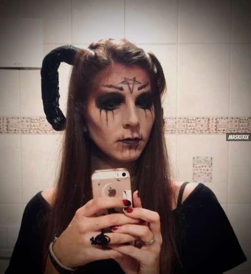 maskerix-HalloweenFotoContest2019-Teufel